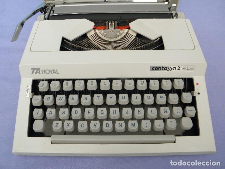 Antigüedades: Máquina de escribir antigua modelo TA Royal Contessa 2 de luxe - Foto 2 - 64155343