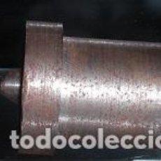 Antigüedades: PUNTO TORNOTORNERO ANTIGUO HERRAMIENTA TRABAJO MANUAL METAL ARTESANO 5X4X3 CM HERRAMIENTAS TORNEADO. Lote 64184623