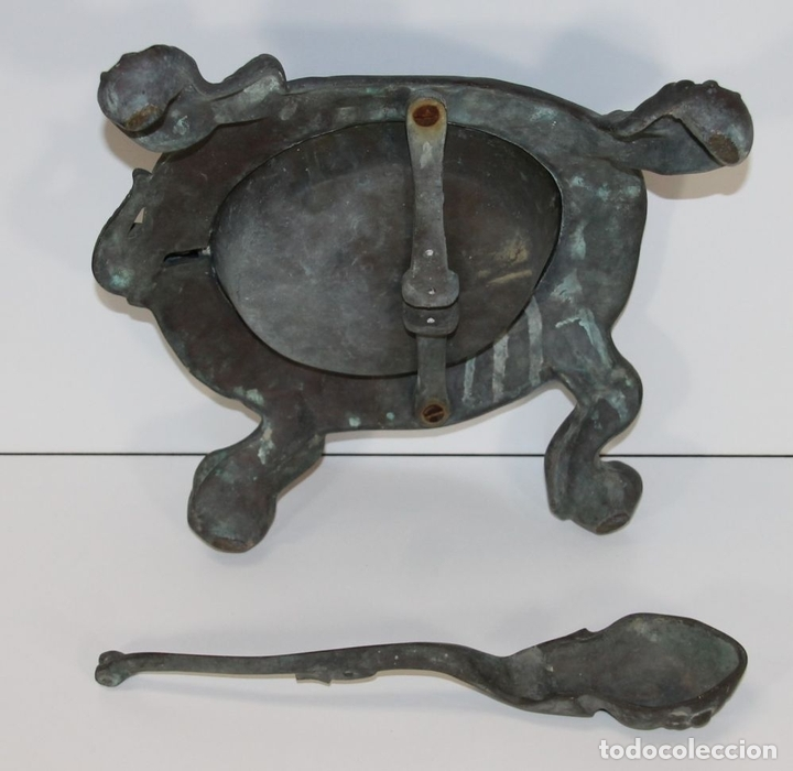 Antigüedades: LIMPIA ZAPATOS CON FORMA DE TORTUGA EN BRONCE. ESPAÑA. SIGLO XX. - Foto 11 - 64210667