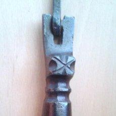 Antigüedades: ALDABA- LLAMADOR- TIRADOR SIGLO XVII- TERUEL. Lote 64382979
