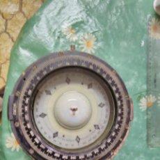 Antigüedades: COMPÁS DE BITACORA DE UN PESQUERO RUSO (C 1947). BRÚJULA NAUTICA.. Lote 64413847