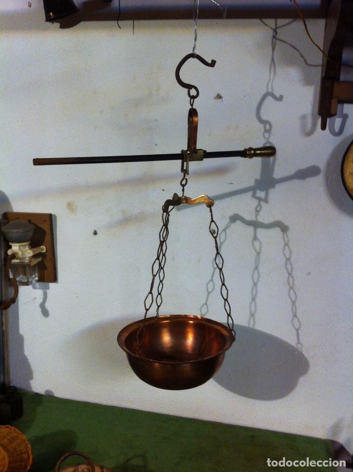 Antigüedades: RARA y PEQUEÑA ANTIGUA BALANZA ROMANA DE HIERRO Y BRONCE BARRA CORREDERA 12 kg (S. XIX) (BRBR2) - Foto 6 - 64715031