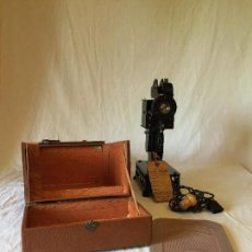 Antigüedades: MÁQUINA PROYECTOR 9MM PATHE BABY. Lote 64968127