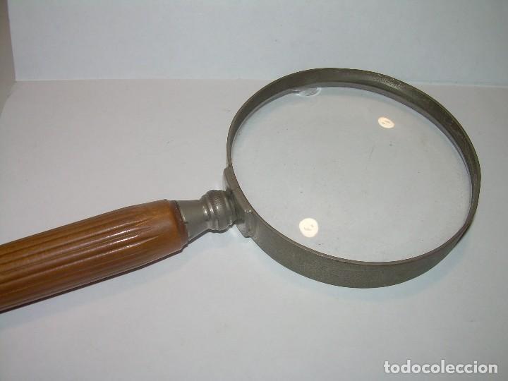 ANTIGUA LUPA DE GRANDES DIMENSIONES. (Antigüedades - Técnicas - Instrumentos Ópticos - Lupas Antiguas)