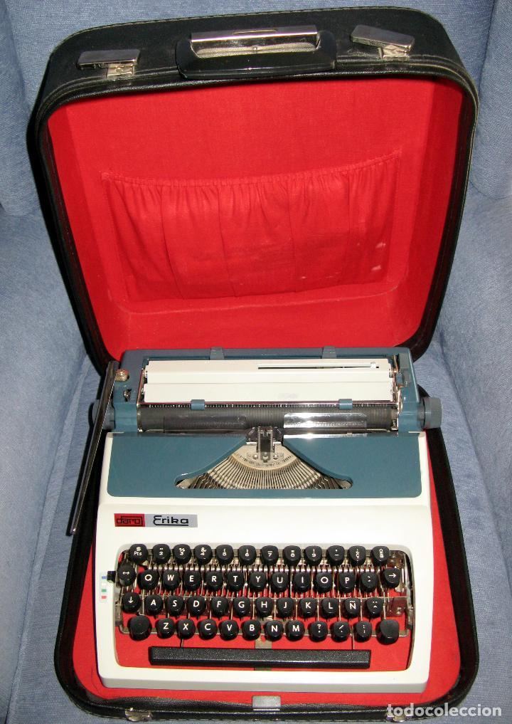 MAQUINA DE ESCRIBIR ERIKA EN SU ESTUCHE ORIGINAL CON MANUAL Y CEPILLOS DE LIMPIEZA (Antigüedades - Técnicas - Máquinas de Escribir Antiguas - Erika)