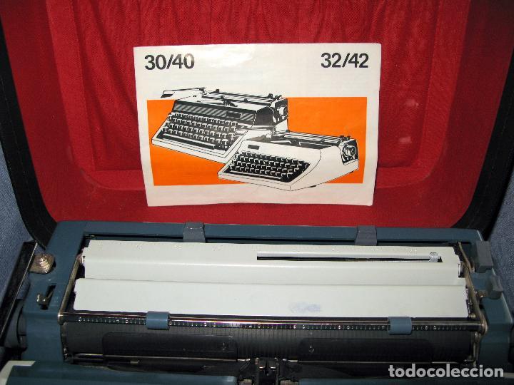 Antigüedades: Maquina de Escribir Erika en su Estuche Original con Manual y Cepillos de Limpieza - Foto 3 - 65729446