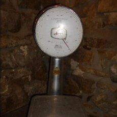 Antigüedades: BASCULA DE COMERCIO MARCA MOBBA. Lote 65957306