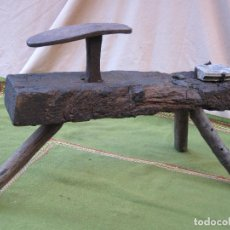 Antigüedades: BANCO ANTIGUO PARA TRABAJO DE ZAPATERO - ETNOGRAFIA.. Lote 110885692