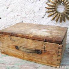Antigüedades: CAJA DE MADERA MUY FUERTE MALETIN IDEAL HERRAMIENTAS USO DECORACION INDUSTRIAL. Lote 66114482