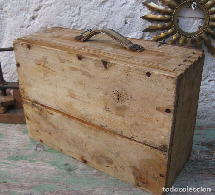 Antigüedades: CAJA DE MADERA MUY FUERTE MALETIN IDEAL HERRAMIENTAS USO DECORACION INDUSTRIAL - Foto 4 - 66114482