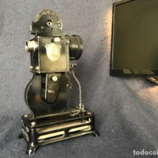 Antigüedades: PROYECTOR PRECINE PATHE BABY, 1920. 16 O 9,5 MM?. Lote 66130678