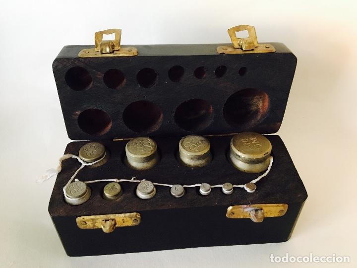 Antigüedades: Juego de pesas en caja - Foto 3 - 66241854
