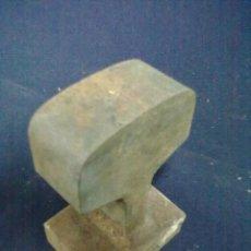 Antigüedades: PEQUEÑO YUNQUE HIERRO. Lote 66305410