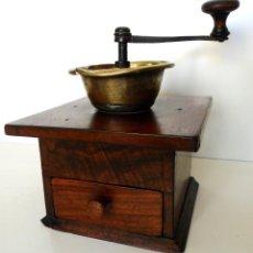 Antigüedades: MOLINILLO DE CAFÉ ARTESANAL, MADERA DE NOGAL. PROCEDENCIA FRANCESA. CA. 1900. Lote 66316722