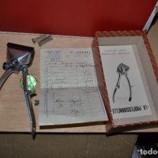 Antigüedades: MAQUINILLA DE PELAR LA PROFESSIONNELLE. Lote 66767310