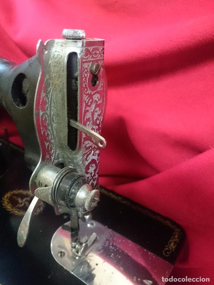 Antigüedades: Antigua máquina de coser Alfa - Gira perfectamente - estado bueno según fotos - Foto 2 - 66962718