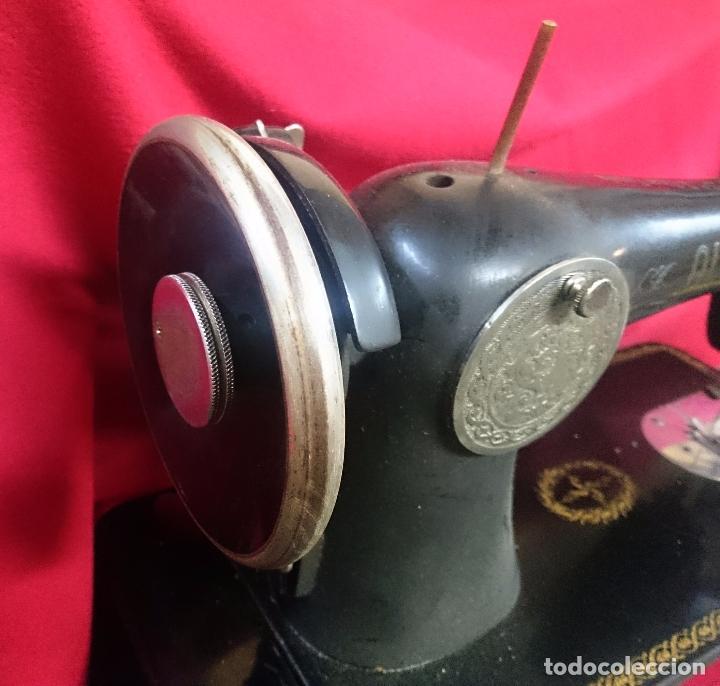 Antigüedades: Antigua máquina de coser Alfa - Gira perfectamente - estado bueno según fotos - Foto 3 - 66962718