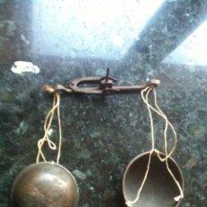 Antigüedades: ANTIGUA BALANZA PESÓ. Lote 67599247