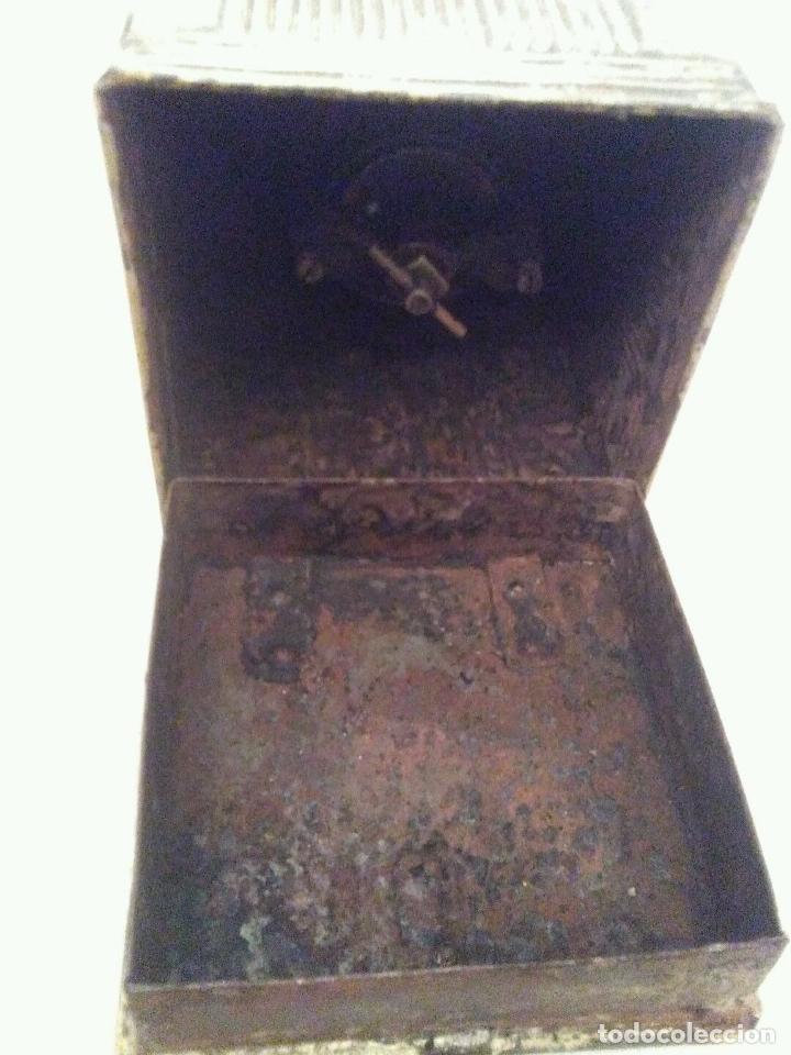 Antigüedades: GRANDE ÚNICO RARO Y MUSEO ANTIGUO MOLINILLO CAFE ESPAÑOL HIERRO HOJALATA pieza de museo 530,00 € - Foto 4 - 67609333