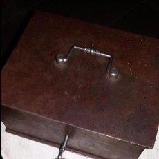 Antigüedades: CAJA DE CAUDALES. Lote 67700357