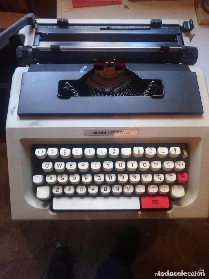 MAQUINA DE ESCRIBIR OLIVETTI LETTERA 42 - FUNCIONA BIEN (Antigüedades - Técnicas - Máquinas de Escribir Antiguas - Olivetti)