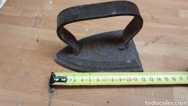 ANTIGUA PLANCHA DE CARBON 12 CM (Antigüedades - Técnicas - Planchas Antiguas - Carbón)