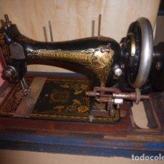Antigüedades: ANTIGUA MAQUINA DE COSER FRISTER & ROOSMANN. Lote 67967217
