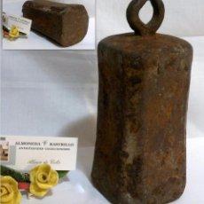 Antigüedades: ANTIGUA PESA O CONTRAPESO EN HIERRO FUNDIDO DE ÉPOCA.. Lote 67982845