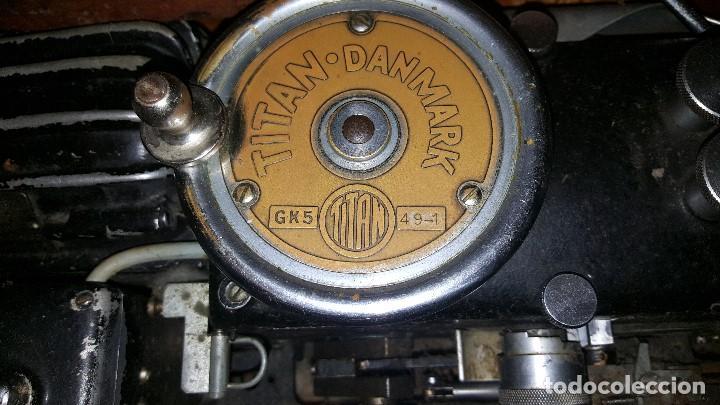 Antigüedades: TITAN - MAQUINA DE ANUDAR - PRIMER MODELO - 1935 - Foto 2 - 68243761