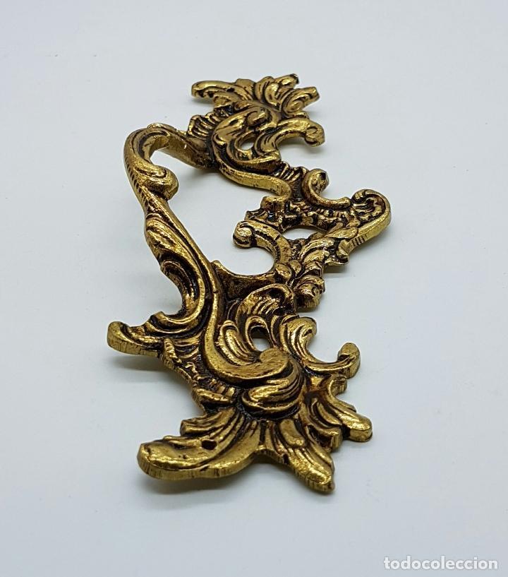 Antigüedades: Juego antiguos de tiradores en bronce de estilo rococó . - Foto 4 - 68393049