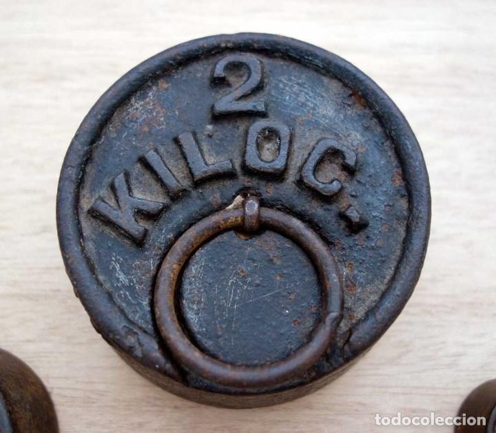 Antigüedades: LOTE 5 ANTIGUAS PESAS BALANZA PRINCIPIOS S. XX. VINTAGE - Foto 2 - 68528117