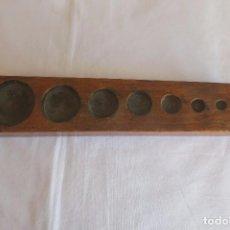 Antigüedades: TACO DE MADERA DE PESAS VACIO. Lote 68568101