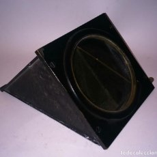 Antiquités: RARA LENTE DE TAYLOR - HOBSON COOKE LENTE PRISMATICA DE 4 X 4 PULGADAS O - 102 X 102 MM. Lote 68637953