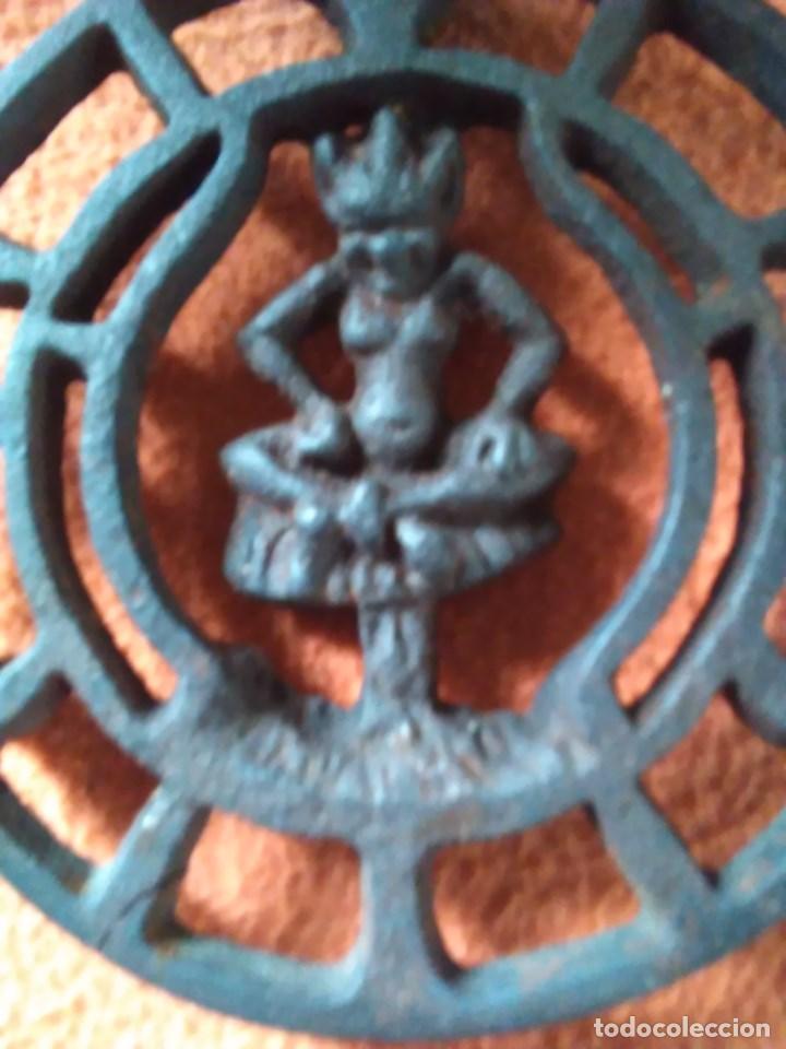 Antigüedades: Reposa planchas o salvamanteles de hierro - Foto 13 - 69065485