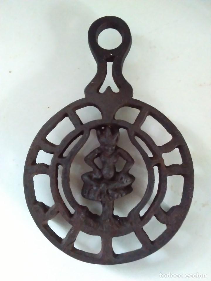 Antigüedades: Reposa planchas o salvamanteles de hierro - Foto 14 - 69065485