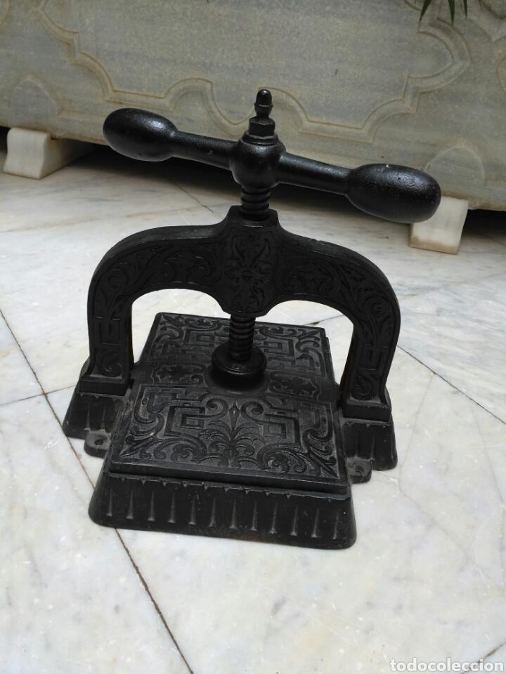 Antigüedades: Prensa de hierro de encuadernar libros del siglo XIX, imprenta - Foto 3 - 69366287