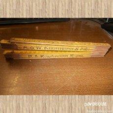 Antigüedades: ~ ANTIGUA REGLA DE MADERA PLEGABLE 2 METROS, TIENE UNA ROTURA. A. W. KAUFMANN Y FILS ~. Lote 69653762
