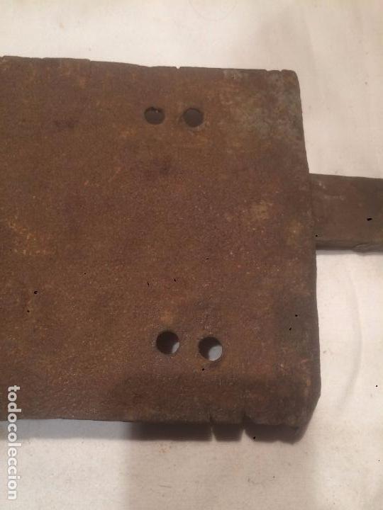 Antigüedades: Antigua cerradura / cerrojo de hierro forjado del siglo XIX - Foto 4 - 69686697