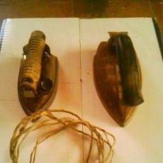 Antigüedades: 2 PLANCHAS ANTIGUAS. Lote 69696813