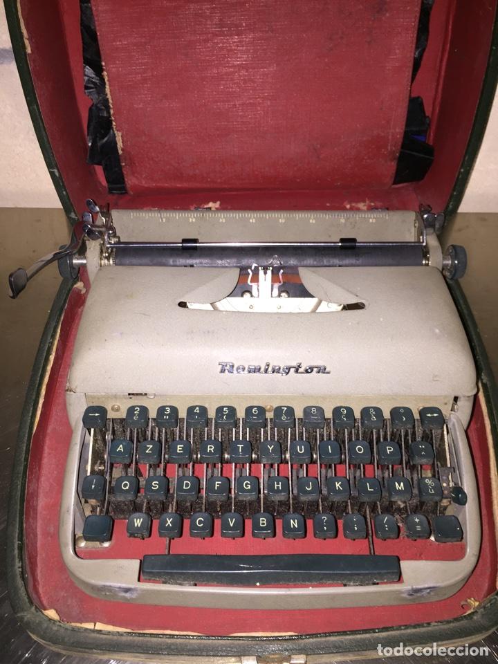 Antigüedades: Máquina de escribir Remington portátil - Foto 2 - 69767118