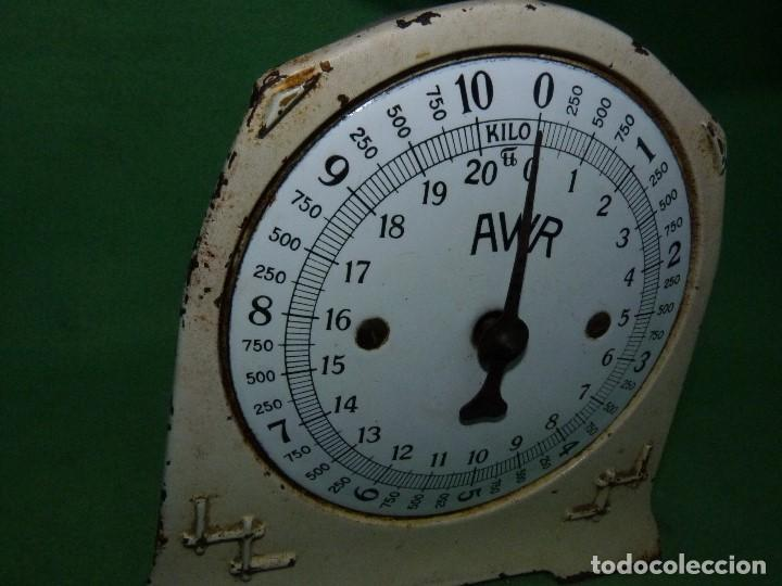 Antigüedades: Preciosa báscula AWR antigua balanza ALEMANA escala esmalte peso hierro colado Art Deco finales XIX - Foto 8 - 69952889