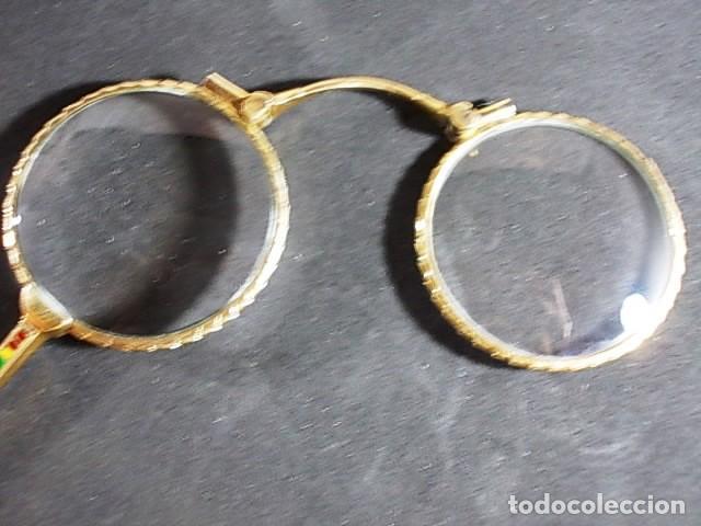 Antigüedades: ANTIGUO BINOCULO PLEGABLE, ARTICULABLE CON MANGO FINAMENTE DECORADO CON ESMALTES - Foto 4 - 70170077