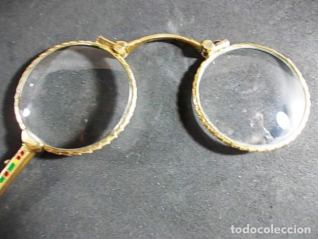 Antigüedades: ANTIGUO BINOCULO PLEGABLE, ARTICULABLE CON MANGO FINAMENTE DECORADO CON ESMALTES - Foto 8 - 70170077
