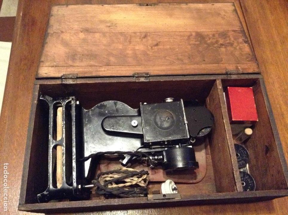Antigüedades: Proyecto cine Baby Pathe , 1930, con caja de madera - Foto 11 - 112070340
