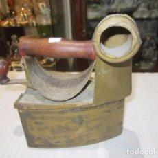 Antigüedades: ANTIGUA PLANCHA DE CARBÓN. MEDIDA: 16 X 10 X 21 CMS. ALTURA.. Lote 70356341