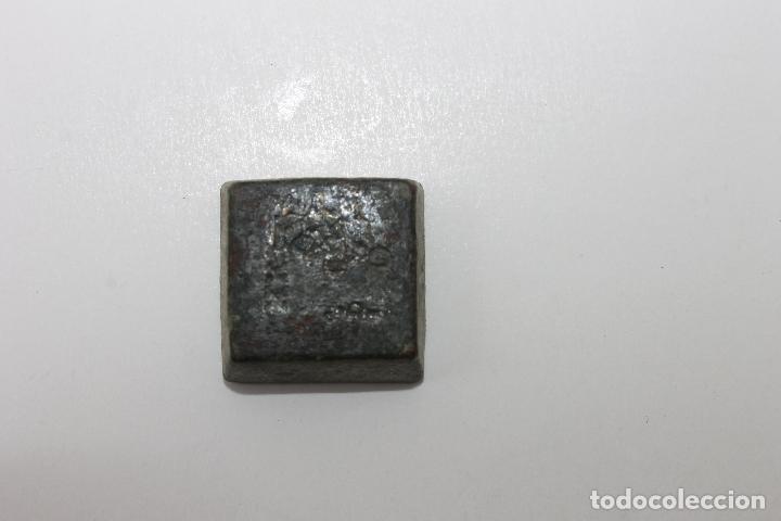 Antigüedades: RARO PONDERAL CON MARCAS DE CASTILLA, DE 27 GRAMOS - Foto 4 - 70487213