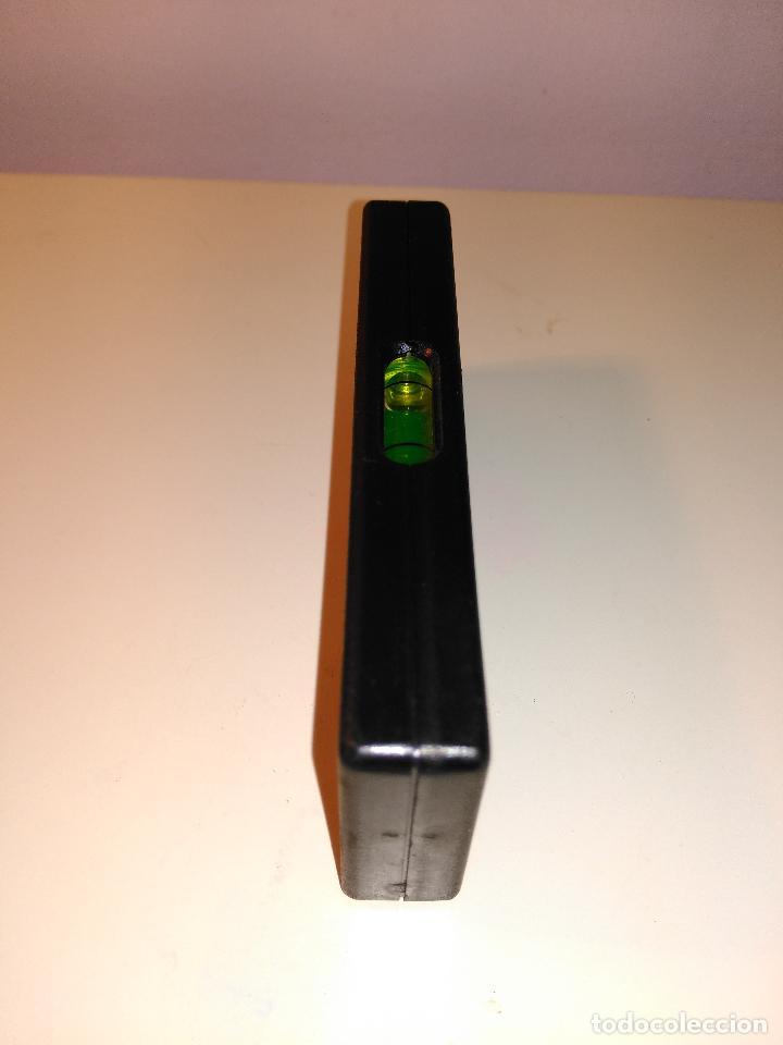 Antigüedades: pequeña regla niveladora con burbujas. instrumento de medición - Foto 2 - 70551809