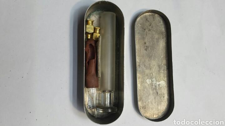 Antigüedades: Caja de esterilización de jeringas con instrumetal suelto - Foto 2 - 71087198