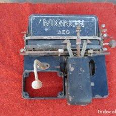 Antigüedades: MAQUINA DE ESCRIBIR AEG MIGNON. Lote 71134121
