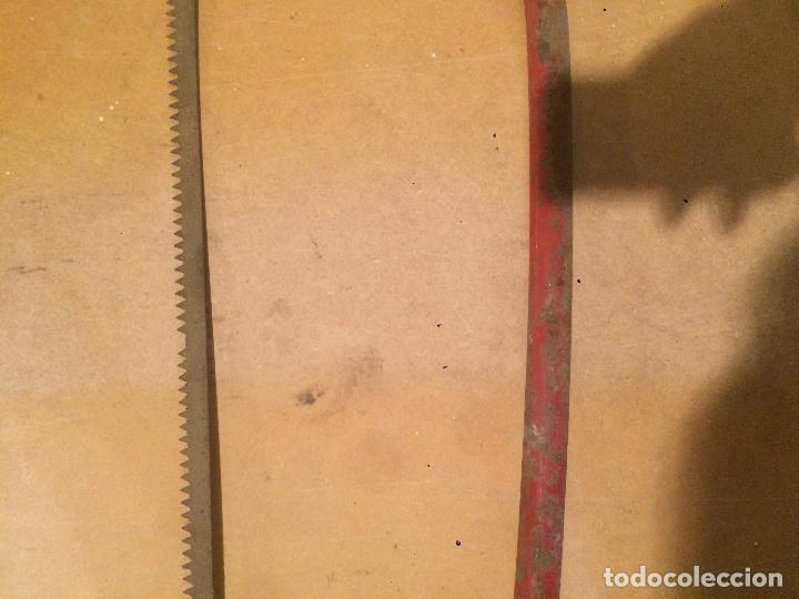 Antigüedades: Antigua sierra / serrucho de carpintero en hierro de los años 60-70 - Foto 5 - 71683895